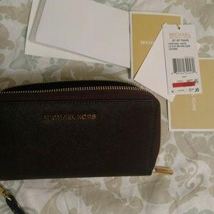 Authentic Michael Kors Wallet.